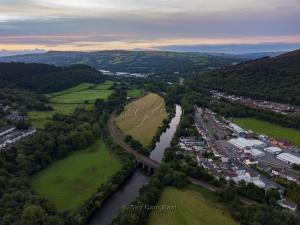 Park-Ln-Taffs-Well-Wales-3-1