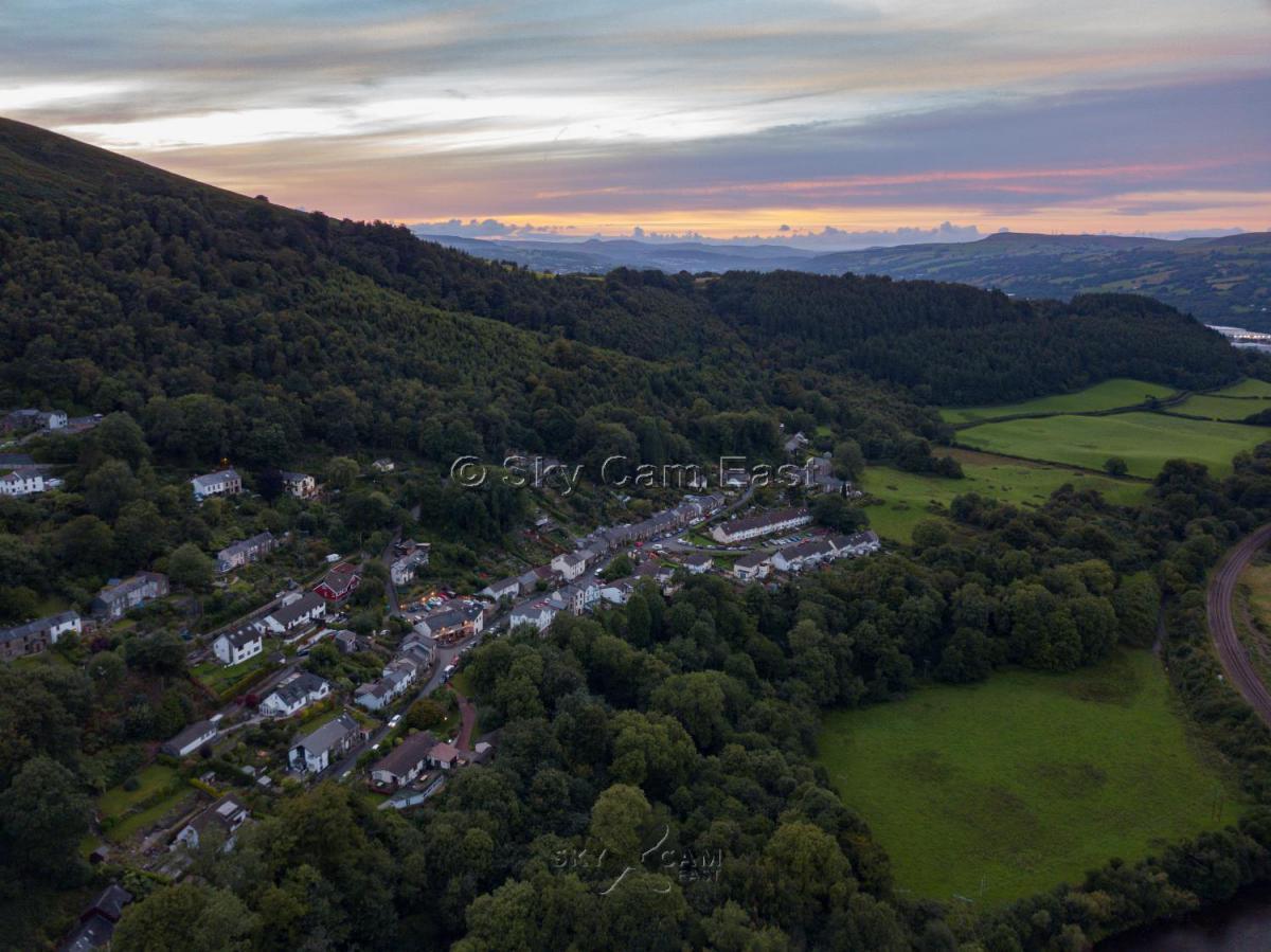 Park Ln Taffs Well Wales 5